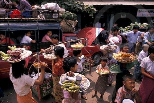 Photo of vendors in Mandalay, Burma