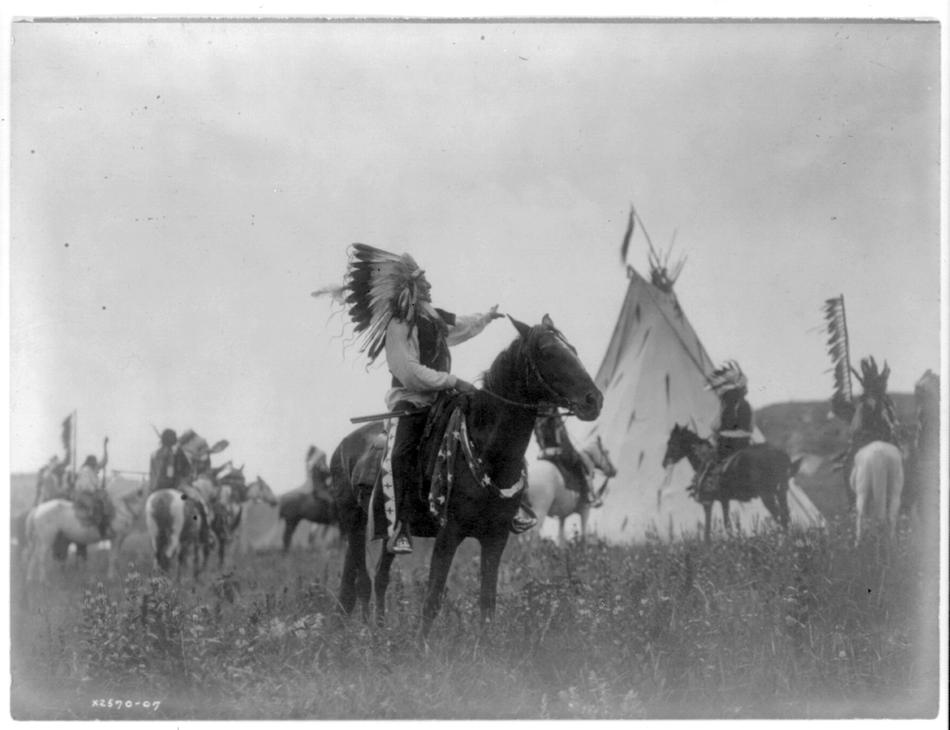 Edward Curtis photo of a Dakota man