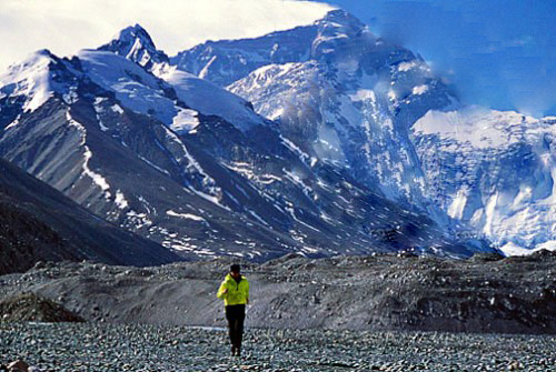 Becky Green Aaronson running at Mt. Everest Base Camp in Tibet